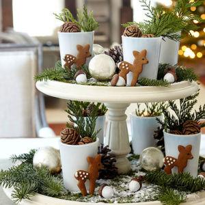cake-stand-christmas-centerpice