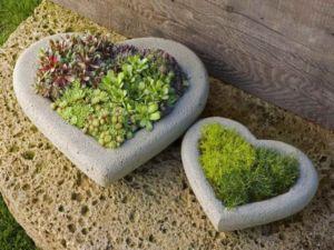 stone-heart-planters